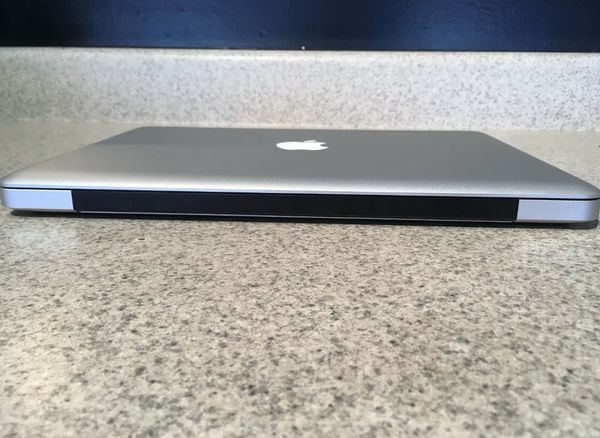 "13"" Late 2011 Apple MacBook Pro 2.4GHz Core i5 4GB RAM 250GB Crucial SSD"