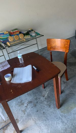 Dining table for Sale in Melbourne, FL