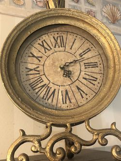 Vintage Gold Clock for Sale in Bowie,  MD