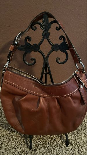 Coach lamb leather shoulder bag for Sale in Rancho Cucamonga, CA