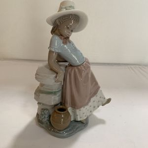Lladro Collectible Porcelain Figurine. Step in Time. Black Legacy. for Sale in Virginia Beach, VA