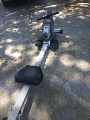 Suny health fitness row machine for Sale in Tampa, FL