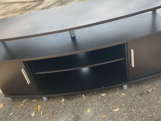 TV STAND ENTERTAINMENT CENTER for Sale in Tampa,  FL