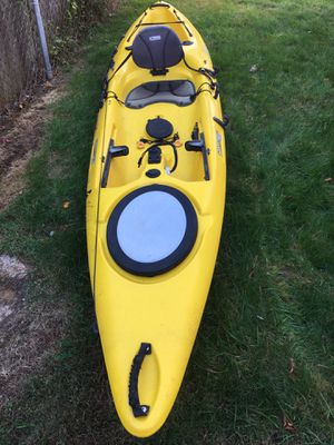 Perception Pescador 12' Sit On Top Fishing Kayak for Sale in Central Islip, NY