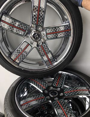 Gucci rims, Chrome rims for Sale in Seattle, WA