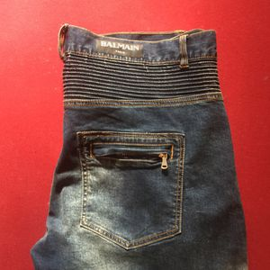 Sz.38 balmain jeans from saks off 5th for Sale in Columbus, OH