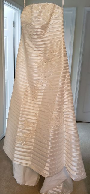 Oleg Cassini Wedding Dress- Size 16- New for Sale in Springfield, VA