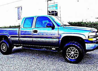 ֆ12OO 4WD Chevrolet SIlverado 4WD for Sale in Sequatchie,  TN