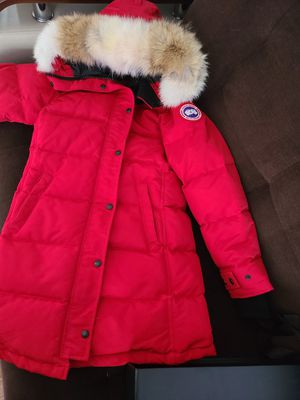 Womens Canada Goose parka for Sale in Bevier, MO