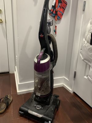 Bissell upright vacuum for Sale in Philadelphia, PA