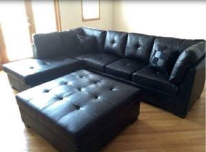 Sectional Sofa w/ Ottoman for Sale in Chicago, IL