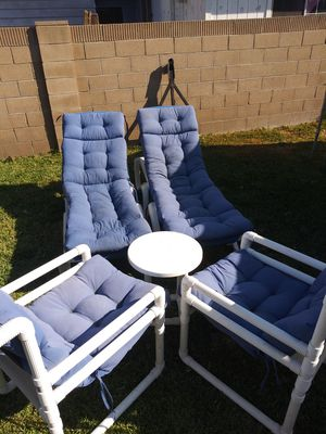 Outdoor lounges and chairs for Sale in Anaheim, CA