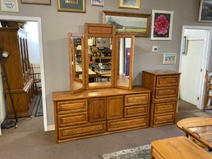 Solid Oak Dresser and Nightstands for Sale in Bloomington, CA