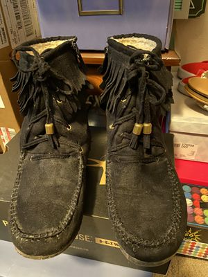 SODA Moccasins Fringe Boots Size 7 for Sale in Puyallup, WA