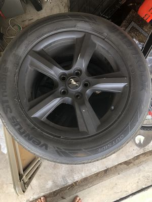 """17"""" Ford Mustang OEM rims and tires for Sale in Freeport, FL"""