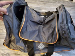 Colombia wheeled travel duffle bag for Sale in Mesa, AZ