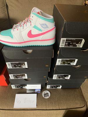 Jordan 1 Mid Soar White/Pink/Green for Sale in Sappington, MO