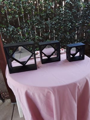 3 cube shelves with mirror for Sale in Fresno, CA