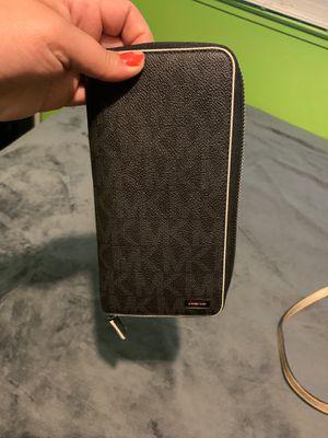 Black mk wallet for Sale in Modesto, CA