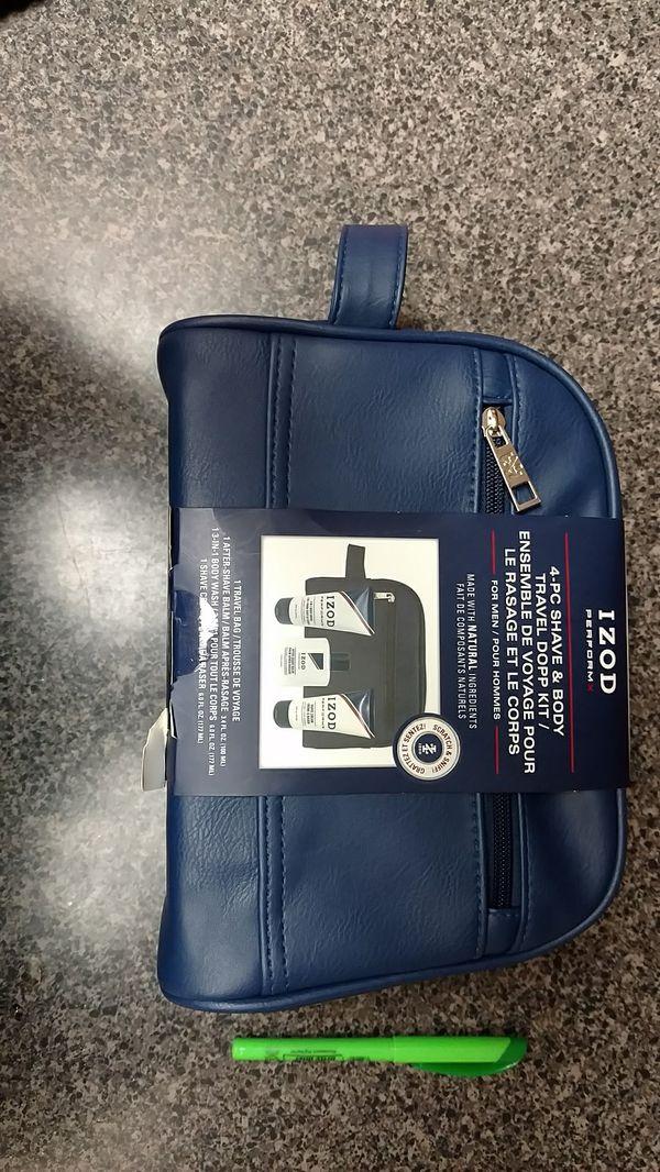 IZOD 4_PC Shave & Body travel dopp kit