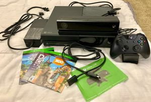 XBox One with Kinnet for Sale in Renton, WA