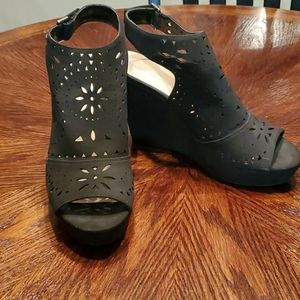 Marc Fisher Wedge Sandals for Sale in Bunnlevel, NC