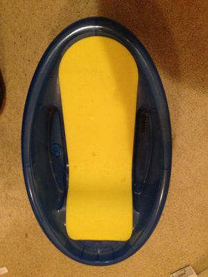 Infant bath tub and mesh seat for Sale in Henderson, KY