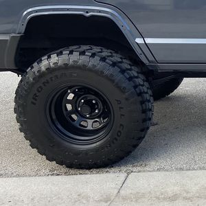 IronMan Mud Country 33x12.50x15 Tires for Sale in Miami, FL