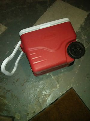 Coleman cooler on wheels for Sale in Lakewood, OH