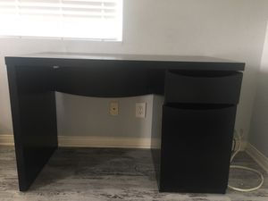 WRITING DESK GREAT CONDITION for Sale in San Diego, CA