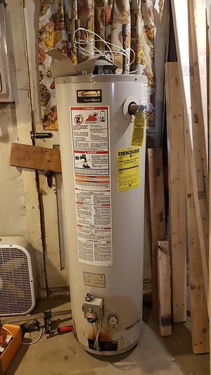 Water Heater like new for Sale in Chantilly, VA