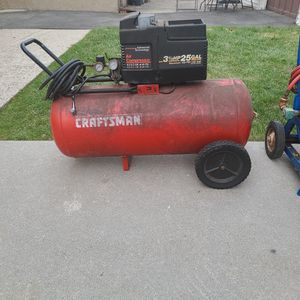 Air Compressor And Hose Reel With 200 Feet Of Hose $200 Firm On Price for Sale in Saddle Brook, NJ
