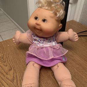 "2007 14"" Cabbage Patch Kids Blonde Girl Doll Corn Silk Hair ,Tongue Out Purple for Sale in Phoenix, AZ"