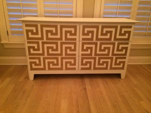 White and gold 6 drawer dresser for Sale in Los Angeles, CA