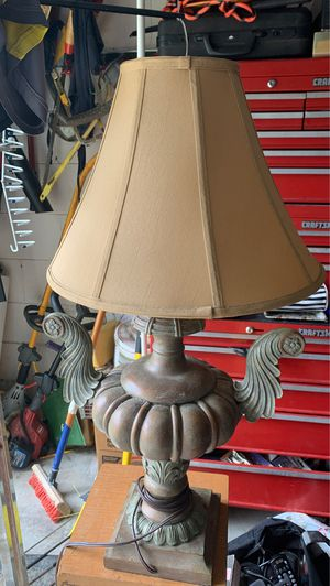 Antique iron lamp for Sale in Alafaya, FL