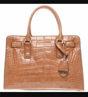Genuine Michael Kors Dillon East/ West Satchel in Glossy Brown Walnut Pre-Owned for Sale in Decatur, GA