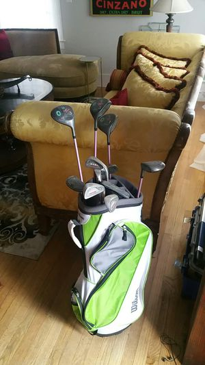 Tall women's golf club set with Wilson bag for Sale in Tampa, FL