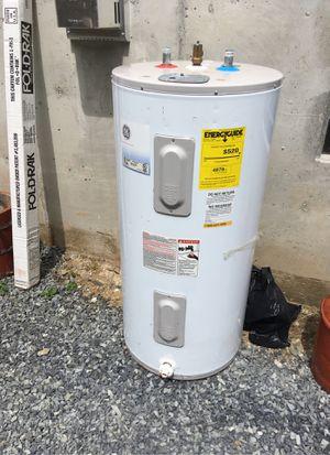 GE 50 gallon water heater - 2011 for Sale in Seattle, WA