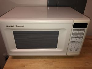 White Microwave in Excellent Condition! for Sale in Atlanta, GA