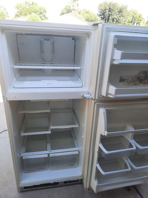 Refrigerator free local delivery for Sale in Fresno, CA