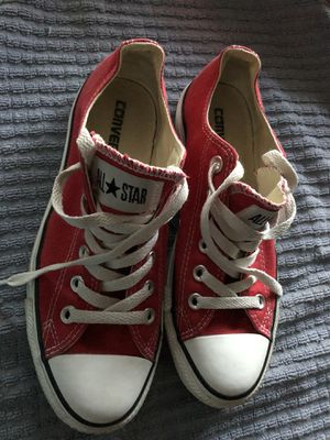 Red low top CONVERSE ALL STARS SNEAKERS TENNIS SHOES Men size 5 Women's size 7 for Sale in Naperville, IL