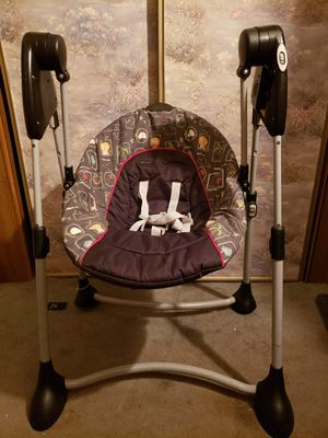 Graco baby swing for Sale in Thornville, OH