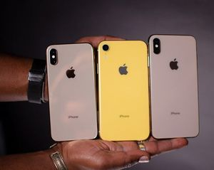 3 iPhone XR 100 EACH for Sale in Montgomery, AL