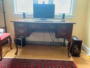 Office desk for Sale in Bernardsville, NJ