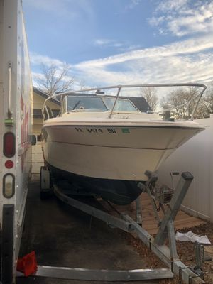 1985 22ft cruiser fishing boat with trailer. for Sale in Pennsauken Township, NJ