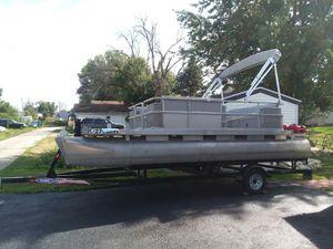20ft pontoon boat for Sale in Reddick, IL