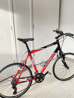 TREK 3500 Bike 28x for Sale in Tacoma,  WA