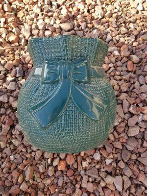Green plant pot for Sale in Glendale, AZ
