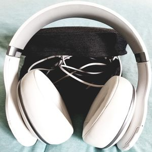 Bluetooth headphones for Sale in Chicago, IL
