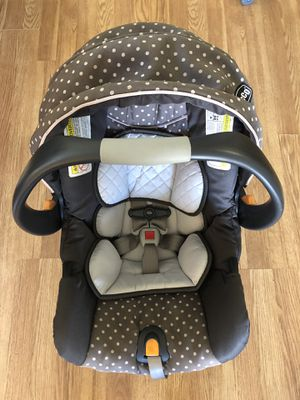 Chico Keyfit 30 infant car seat for Sale in Longview, WA